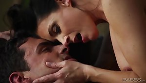 Sensual making love with beautiful MILF India Summer
