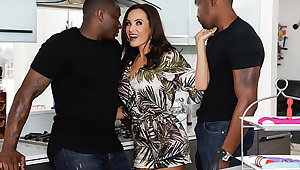 Interracial DP: Milf Lisa Ann + 2 BBCs