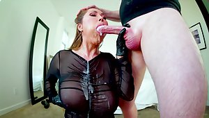Getting head from Kianna Dior must feel like a million bucks