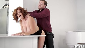 Aged maven Andi James holds her accede during hookup with younger man