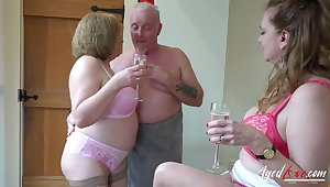AgedLovE Two Matures and Handy Beggar in Threesome